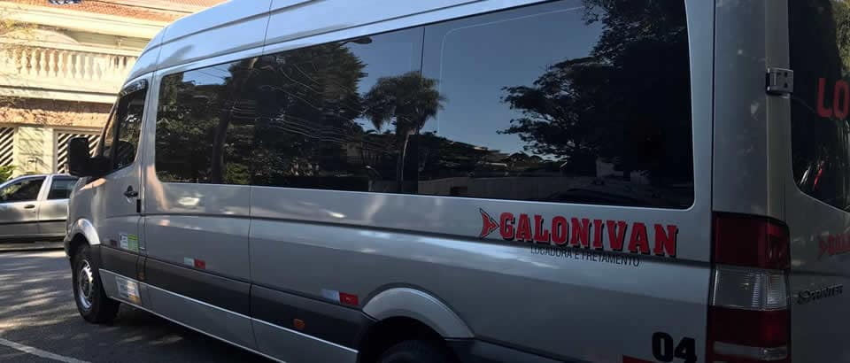 Alugeu van para transporte diário de funcionários em SP