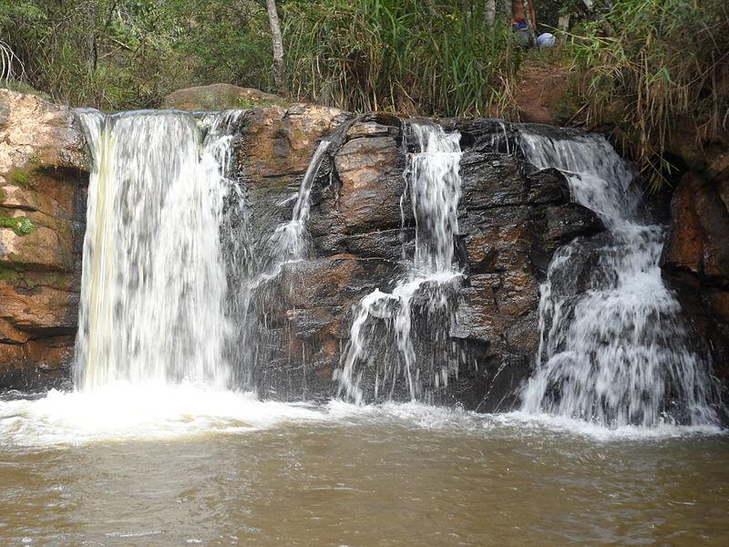 Van para Cachoeira em São Thomé das Letras